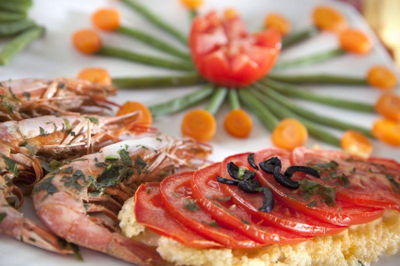 Buffet Di Insalate Miste : Cucina tradizionale romagnola con menu a scelta in hotel a bellaria